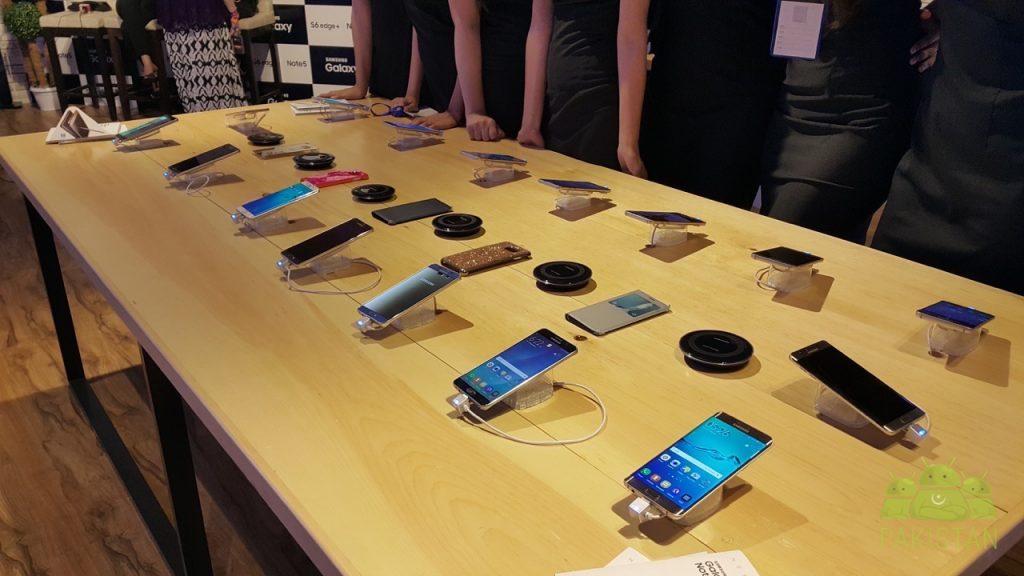 samsung-galaxy-lounge-devices-display
